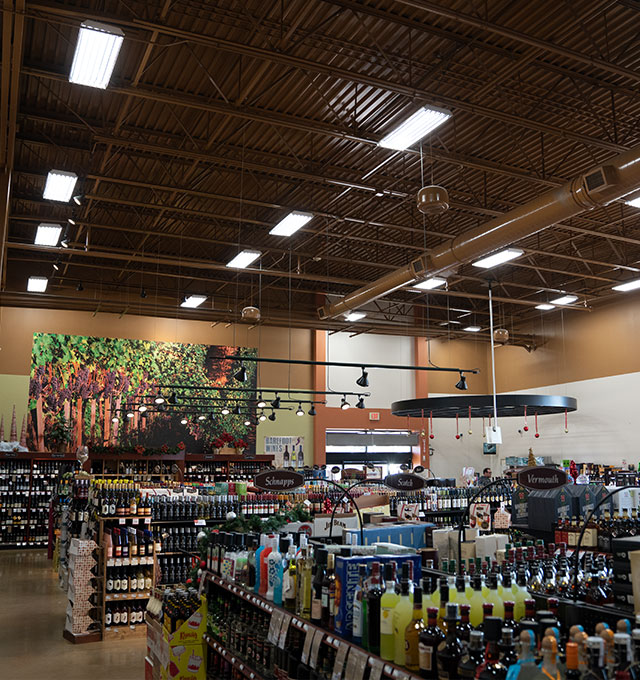 https://gieselighting.com/images/products/tled-in-retail-space.jpg